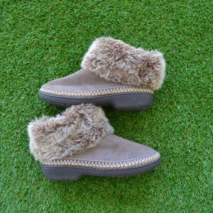 isotoner Shoes - Isotoner Moccasin Slippers - 7.5 to 8
